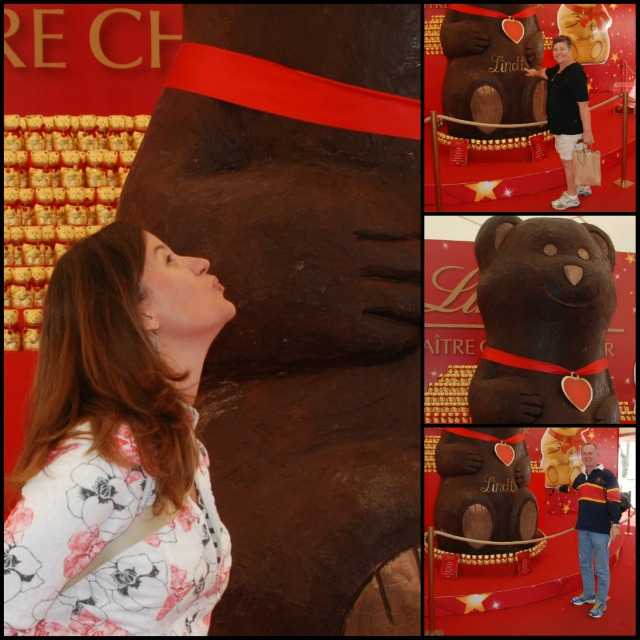 We stood in line to take our photo with the Lindt chocolate bear.  Seriously?  There's a Lindt store in every mall in the US!
