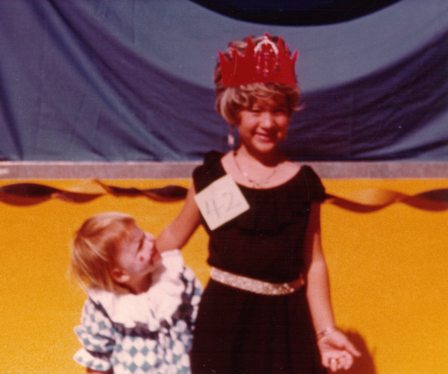 For some reason, we thought crowns were red.  Even my sister, Darla, seems to know that's wrong!